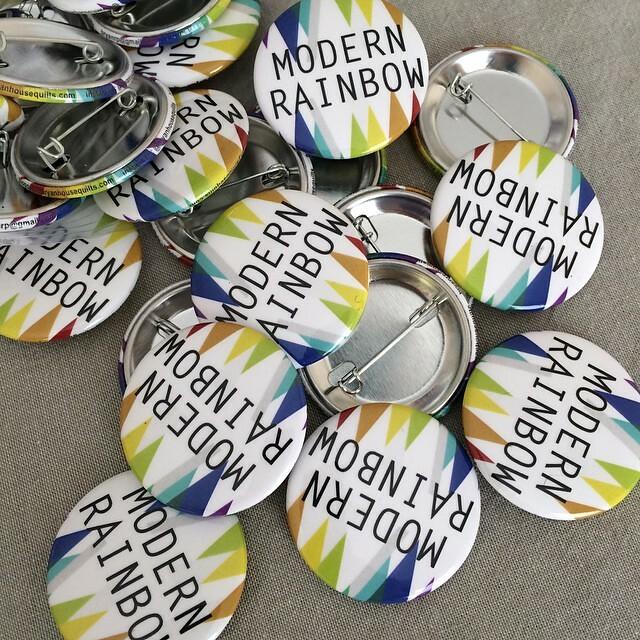 Buttons!!! #quiltcon #quiltconpinswap