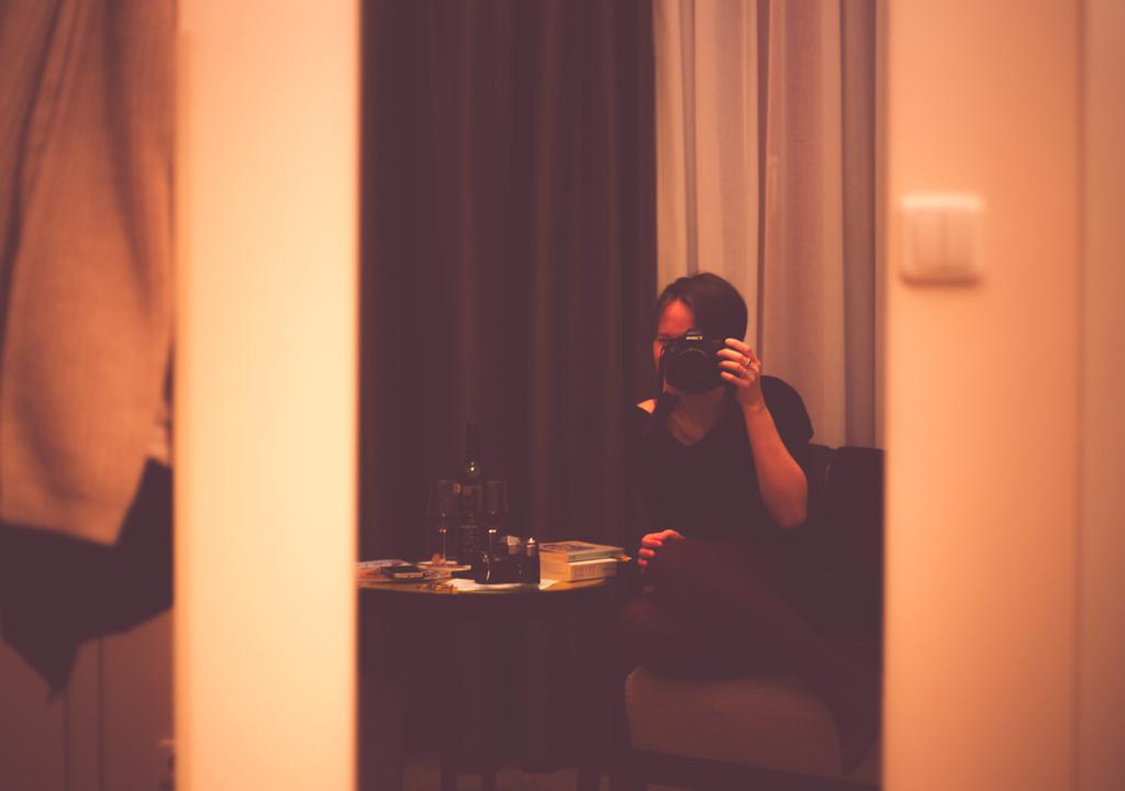 199/365 - Hotel selfie