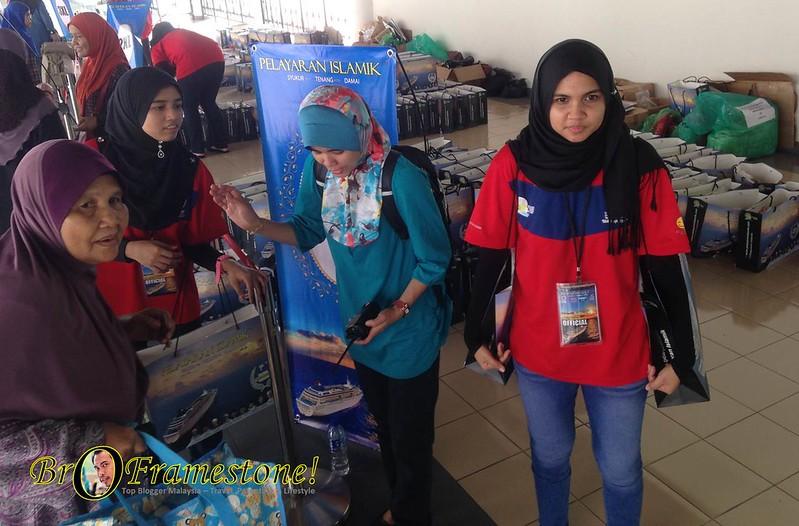 Pendaftaran & Pengambilan Goodies Bag Buat Peserta Pelayaran Islamik