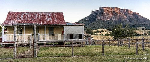 winter sunset farmhouse rural fence gate australia qld queensland 2016 scenicrim jacksplace mtmaroon seqld sonya7r cotswoldpo
