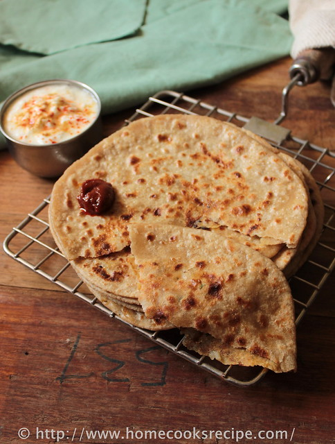 aloo paratha with curd and pickle