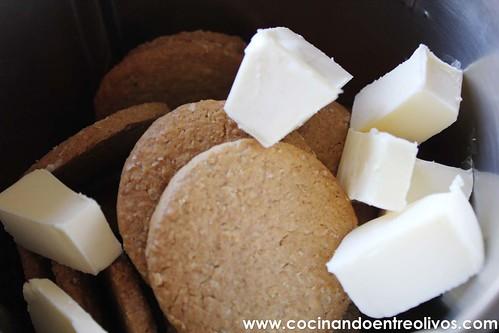 Tarta de queso, chocolate blanco y frambuesas www.cocinandoentreolivos (12)