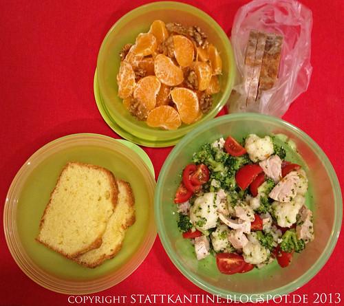 Stattkantine 4. Februar 2013 - Salat mit Perlhuhnbrust, Mandarinen, Orangen-Rührkuchen