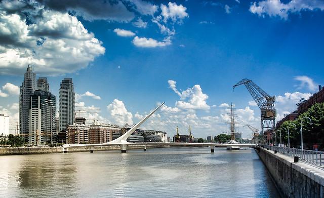 5 Rincones escondidos de Buenos Aires - Puente de la Mujer en Puerto Madero