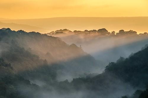 autumn peakdistrict limestone whitepeak peakdistrictnationalpark lathkilldale walkinginderbyshire