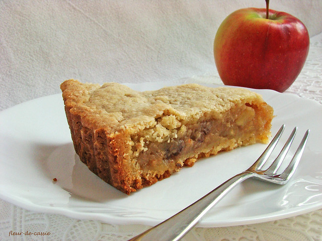 яблочный закрытый пирог 3