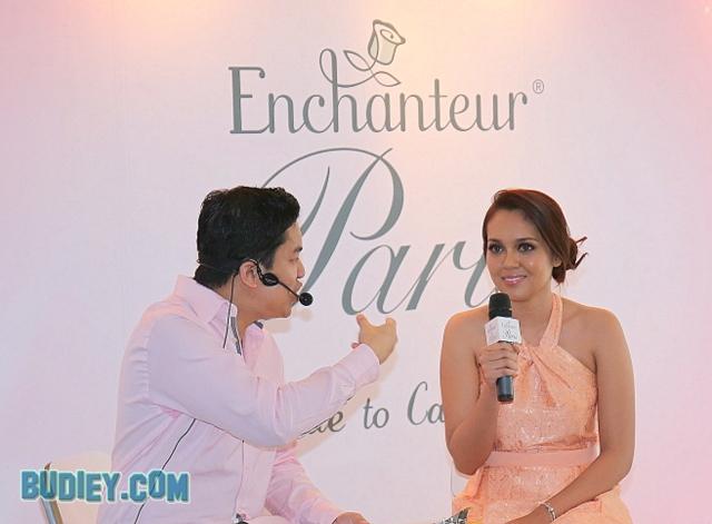 Nelydia Senrose Duta Produk Enchanteur Paris