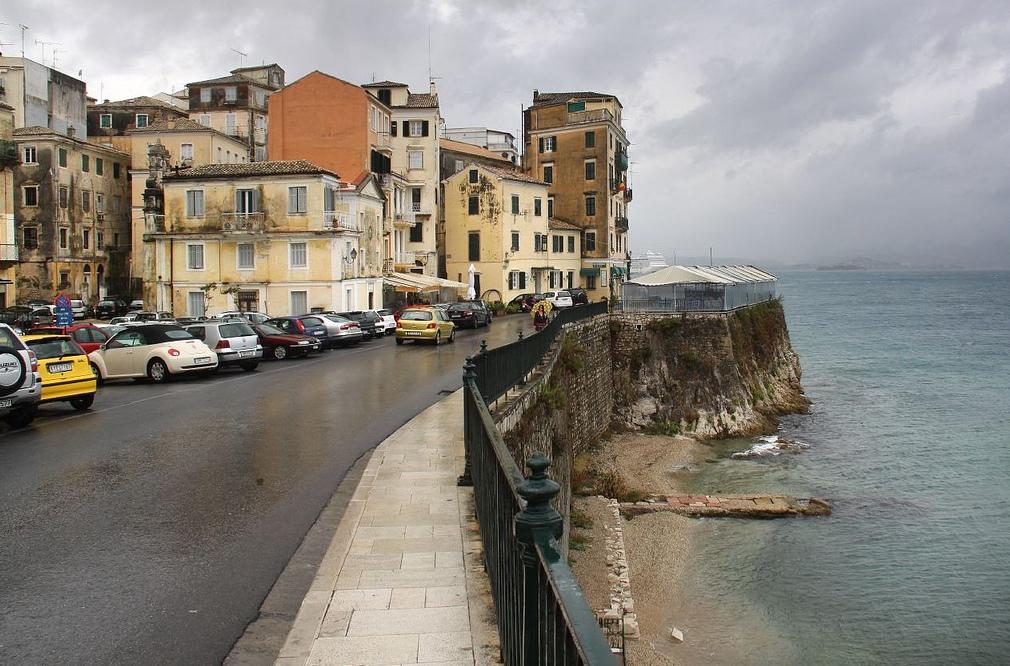 6. Un detalle de la ciudad y su costa. Autor, Ben Salter