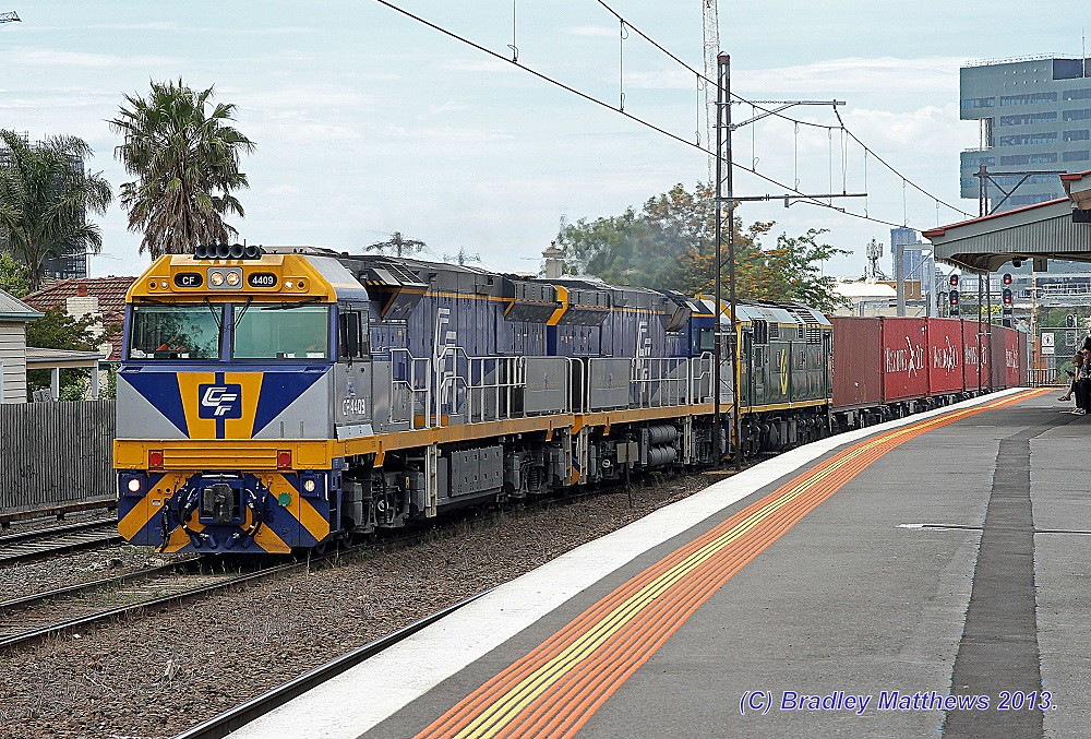 CF4409-CF4410-8049 with QUBE 4MC1 freight to Harefield/Junee at Middle Footscray (27/11/2013) by Bradley Matthews