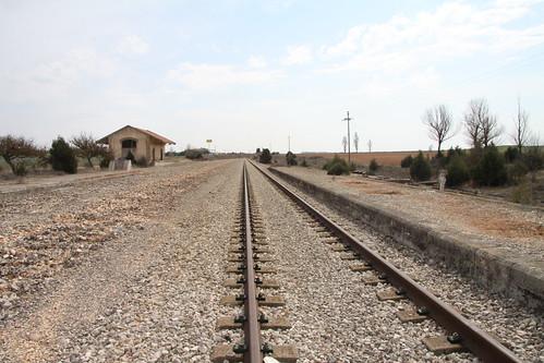 Vías abandonadas en la vecina estación de Cilleruelo-Fontioso