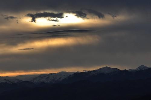 El Retriñón bajo las nubes by Argayu