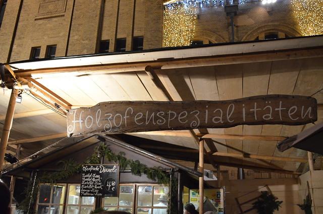 Lucia Weihnachtsmarkt Berlin wood oven specialties