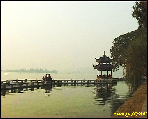 杭州 西湖 (其他景點) - 527 (西湖十景之 柳浪聞鶯 在這裡準備觀看 西湖十景的雷峰夕照 (雷峰塔日落景致)