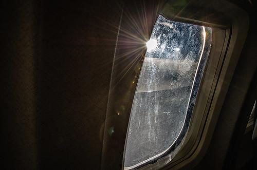 sunset window airplane nikon sundown serbia aeroplane belgrade nikkor beograd vr yugoslavia afs 尼康 18200mm f3556g ニコン 18200mmf3556g београд republikasrbija републикасрбија d5100