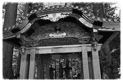 DSC_3929 Countless wood carvings and large amounts of gold leaf were used to decorate the buildings in a way not seen elsewhere in Japan, where simplicity has been traditionally stressed in shrine architecture.