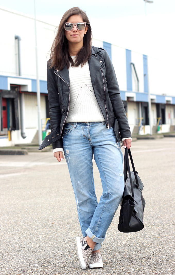 Outfit leather jacket boyfriend jeans