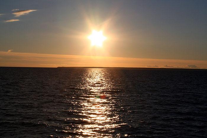 Puesta de sol en el Golfo de Finlandia. © Paco Bellido, 2005