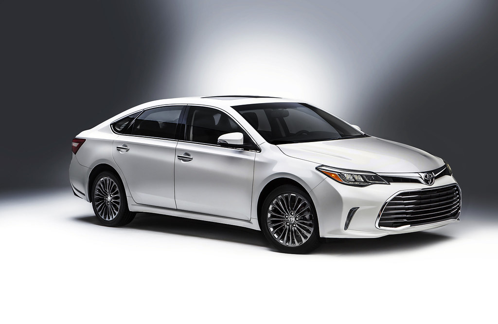 First look in the 'Second City:' The refreshed 2016 Toyota Avalon