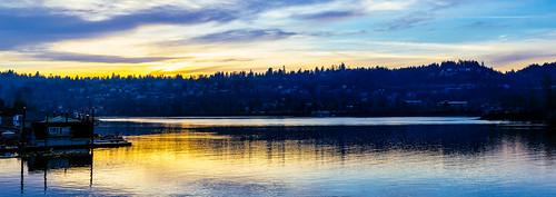 sunset panorama reflection willametteriver floatinghouses filmemulation