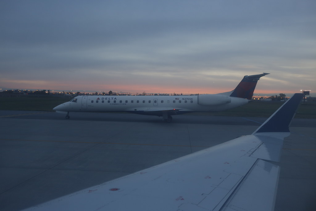 Delta Connection  (Chautauqua Airlines) Embraer 145LR (N370SK / MSN515)