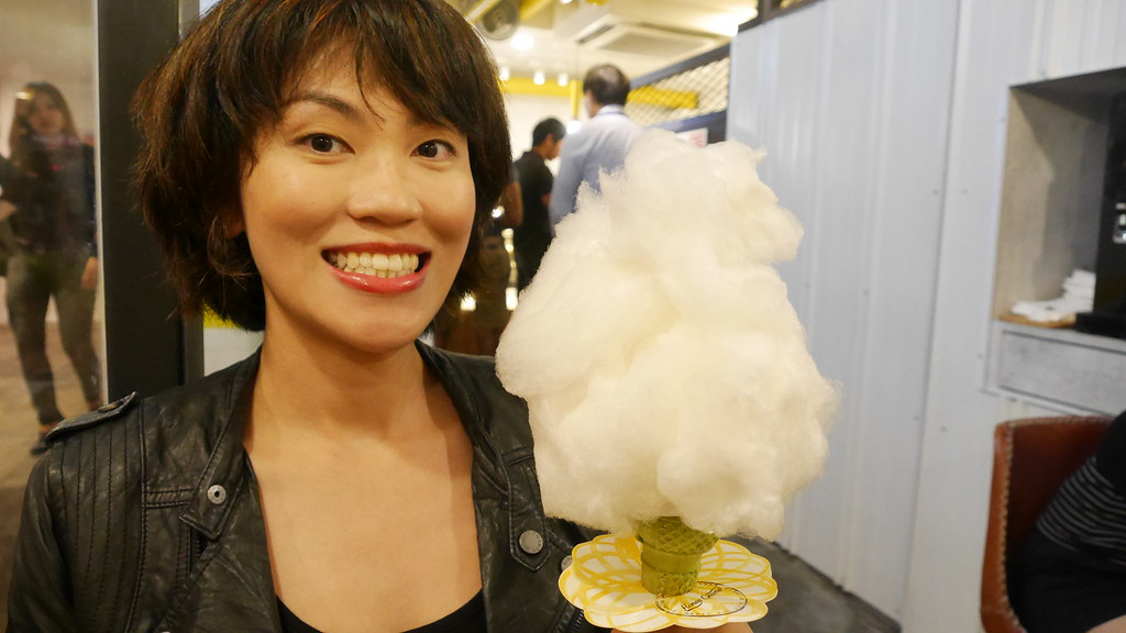 I'm not sure whether the organic cotton candy on a cone ($5.90) will be available at 1-for-1 but that's what I had last night