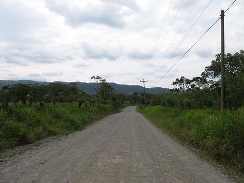 Parc National Arenal: la route menant à l'arrêt de bus