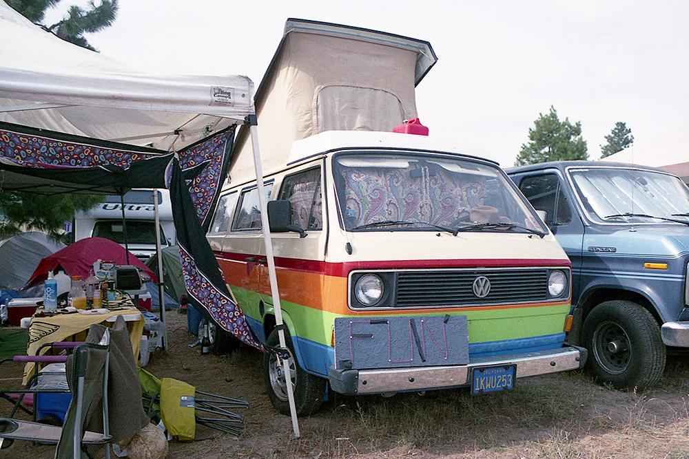 What-The-Festival_Rainbow-Westfalia