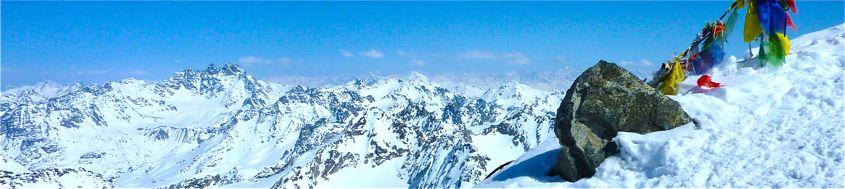 Silvretta, Skitour Piz Buin, 3312 m, Blick vom Gipfel auf die Fluchthörner. Foto: Günther Härter.
