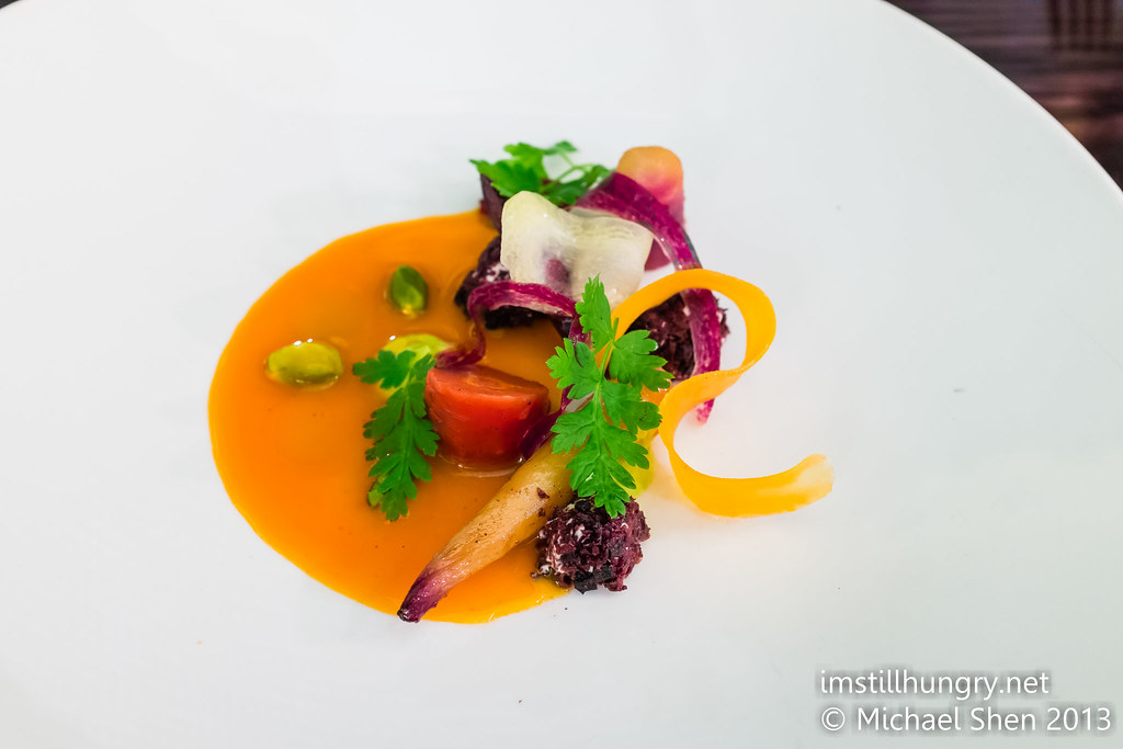 Bentley's Spiced heirloom carrot w/pistachio, yoghuur & black olive