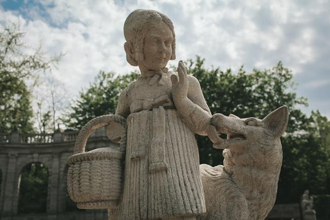 Volkspark Friedrichshain Fairy Tale Fountain statue