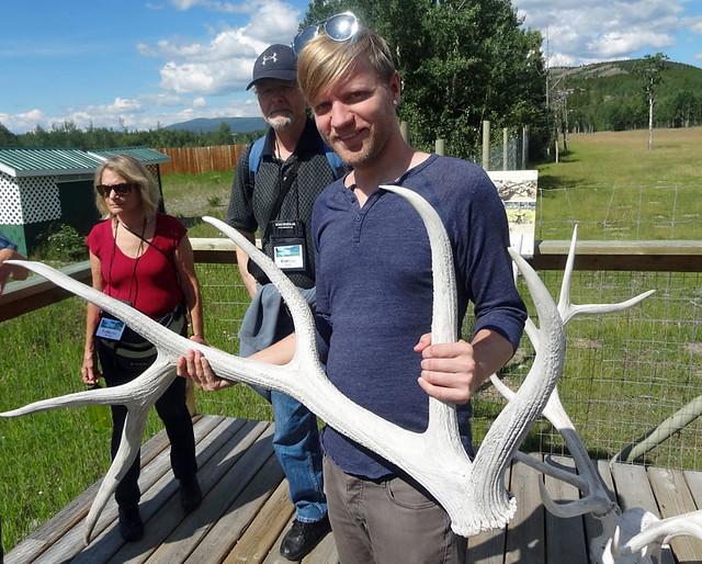 holding-elk-antlers