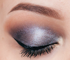 Sleek MakeUP Storm Palette Smokey Eye Tutorial - eye closed