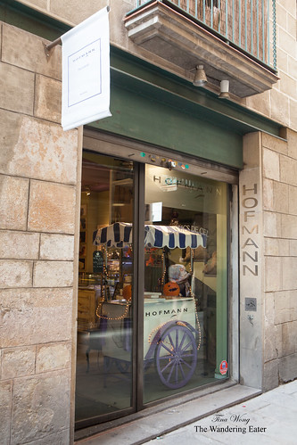 Entrance to Pasteleria Hofmann