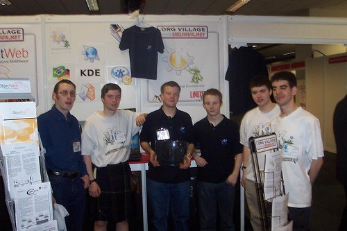 2004-04-21-linux-user-expo-rich-jonathan-chris-jeff-george-charles