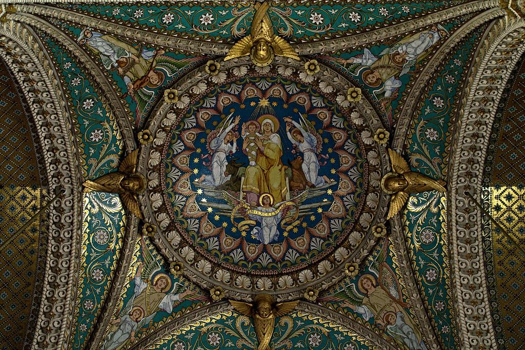 Notre-Dame de Fourvière by Frank Weber, on Flickr. Fuente