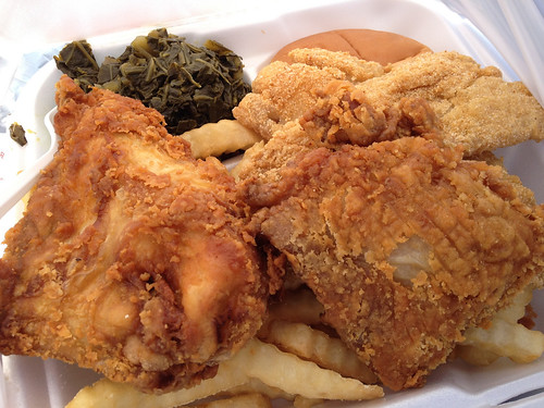 Country Chicken 'n Fish - Chicken and fish combo