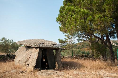 Dolmen de la Creu de Cobertella, el monumento megalítico más grande de Cataluña