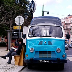 "Renault Estafette Bookshop (""Tell a story"")"