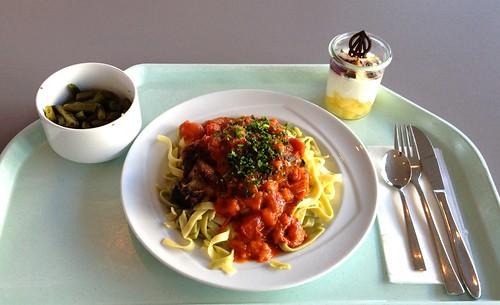 Salbeigeschmortes vom Kalb mit Tomatensugo / Veal braised with sage and tomato sugo