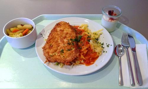"Putensteak ""Picatta"" mit Tagliatelle / Turkey Steak with tagliatelle"