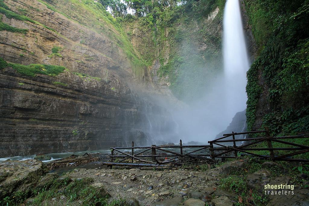 closer view of Hikong Bente Falls