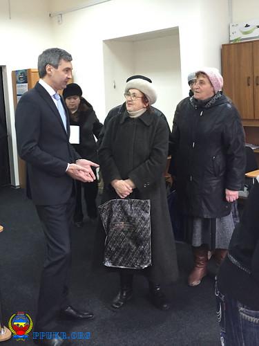 И.о. председателя Запорожской областной организации Партии пенсионеров Украины В.В.Фоменко ведет личный прием (3)