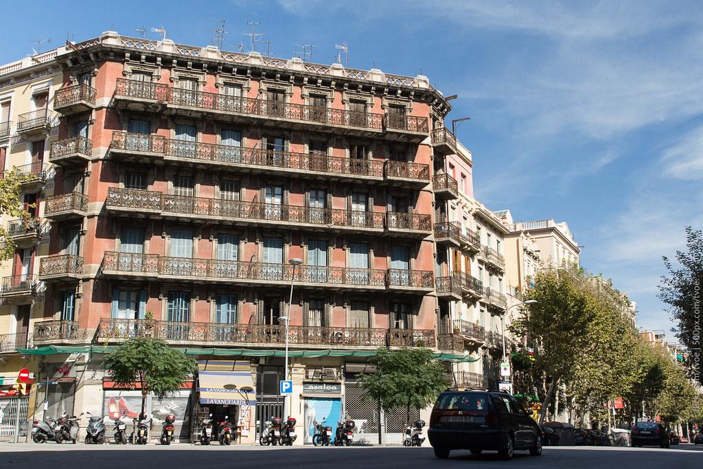 Перекрёсток в Барселоне