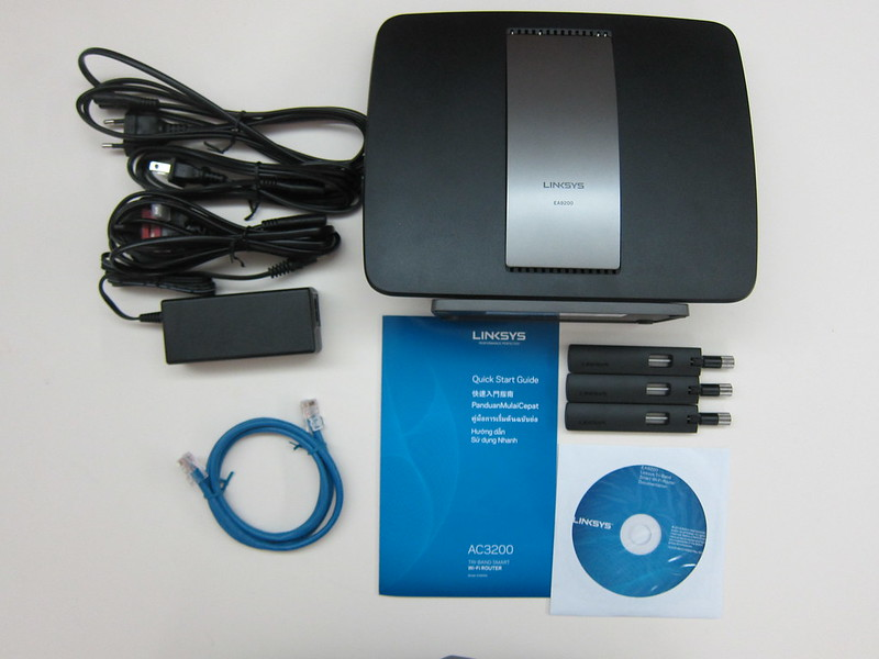Linksys EA9200 - Box Contents