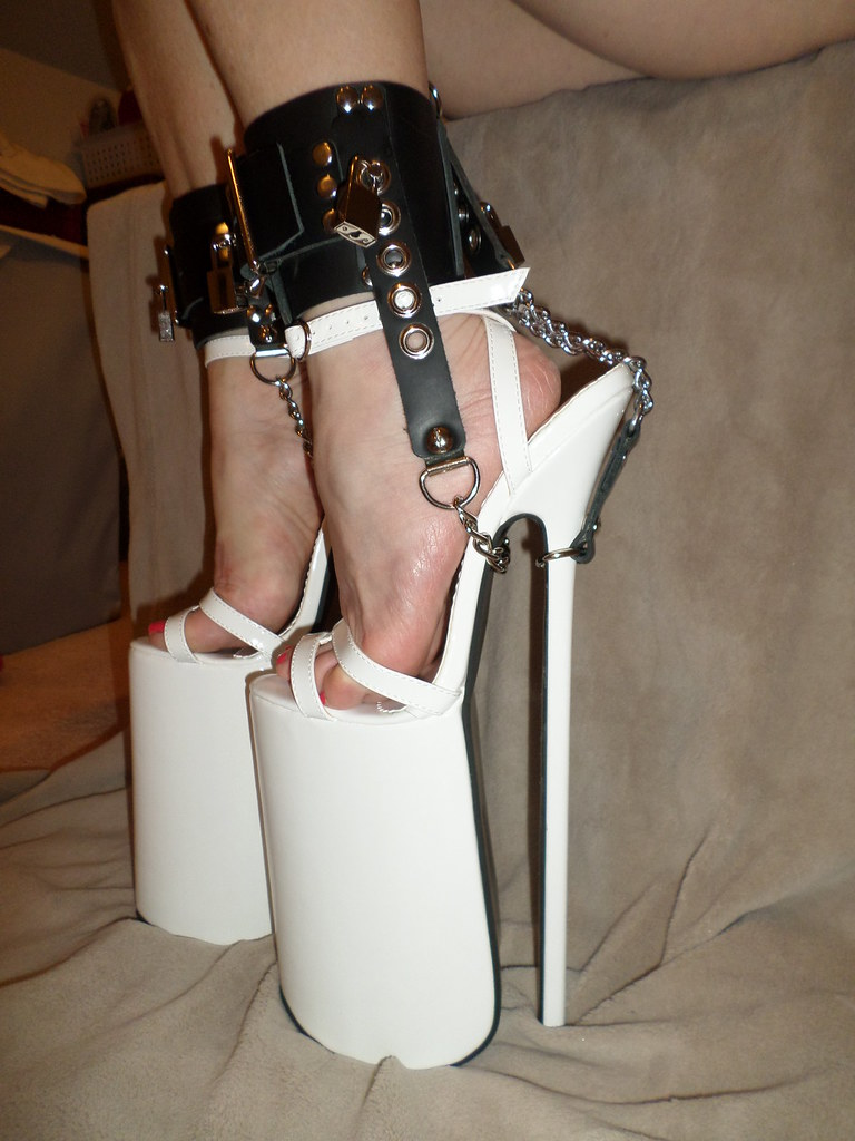 Bdsm shoe lock chains know