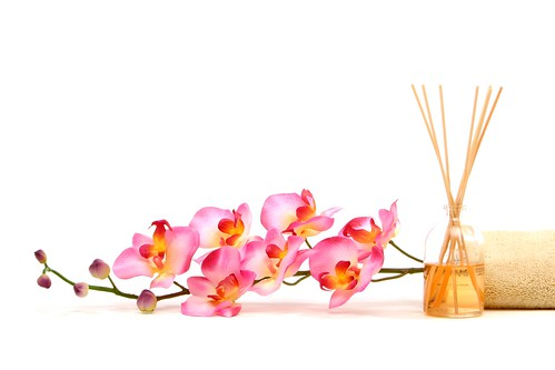 FLOWER AND SPA_shutterstock_3239650