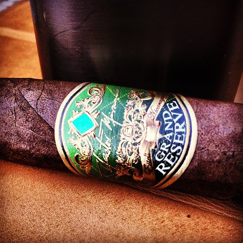 It's been awhile. Lets go with a Nestor Miranda Grand Reserve @miamicigarco @mccbarry