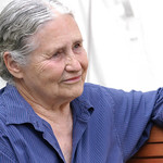 Doris Lessing relaxing on the Book Festival site |