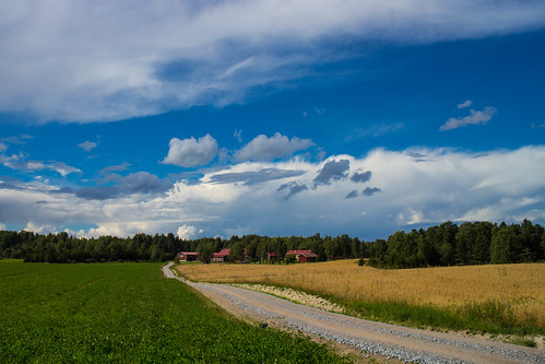 summer sky clouds forest canon finland day cloudy farm bluesky 1855mm partlycloudy cliché redroof lisko eosm canoneosm