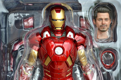 Hot Toys Sixth Scale Movie Avenger Iron Man Mark VII